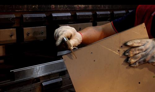 YISHANG-Sheet Metal Fabrication -  Size Inspection After CNC Bending