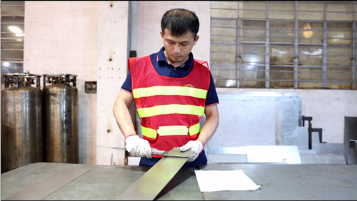 Sheet Metal Fabrication - Size Inspection  After CNC Cutting Metal Plate-sheet metal fabrication, custom sheet metal, sheet metal manufacturing-YISHANG