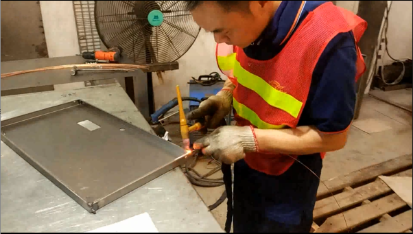 Metal Tool Cabinet - Sheet Metal Welding-YISHANG
